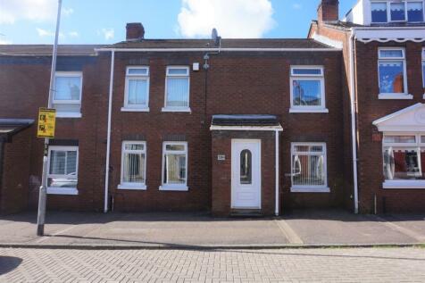 Spamount Street, Belfast, BT15. 3 bedroom terraced house for sale