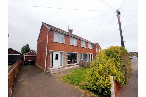 Ferndale Road, Newtownabbey, BT36. 3 bedroom semi-detached house