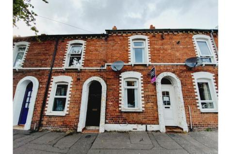 Donegall Avenue, Belfast, BT12. 2 bedroom terraced house for sale