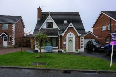 Whitethorn Grove, Dromore, BT25. 3 bedroom detached bungalow for sale