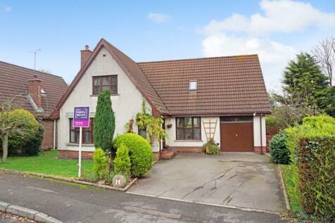 Carnesure Avenue, Comber, Newtownards, BT23. 3 bedroom detached house for sale