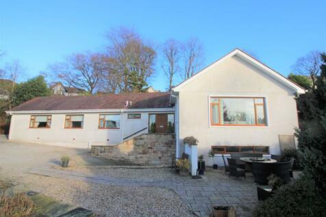 Barrs Brae, Kilmacolm, PA13. 3 bedroom detached bungalow for sale
