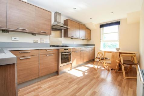 Great Western Road, Aberdeen, AB10. 2 bedroom flat for sale
