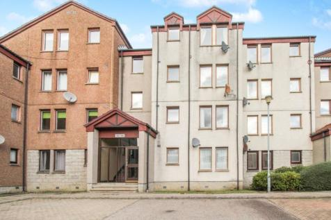 Headland Court, Aberdeen, AB10. 2 bedroom flat for sale