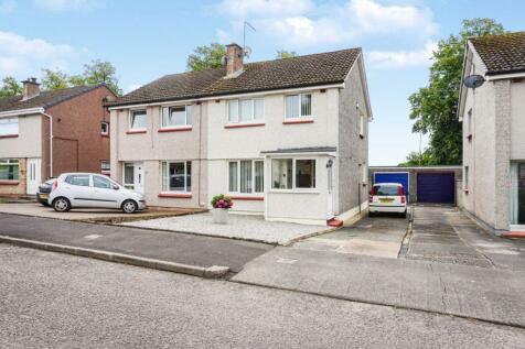 Airds Drive, Dumfries, DG1. 3 bedroom semi-detached house