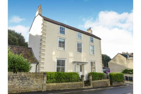 North Parade, Frome, BA11. 4 bedroom detached house
