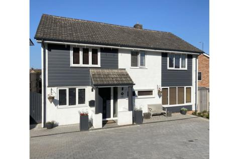 Parkfield Crescent, Taunton, TA1. 4 bedroom detached house