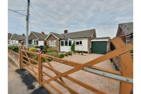 School Lane, Chard, TA20. 2 bedroom detached bungalow