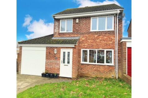 Lower Fairmead Road, Yeovil, BA21. 3 bedroom link detached house for sale