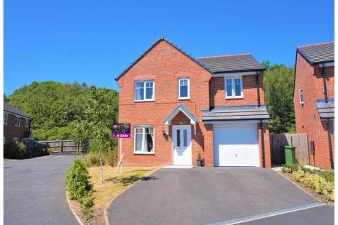 Clifton Avenue, Wrexham, LL11, North Wales - Detached / 4 bedroom detached house for sale / £230,000