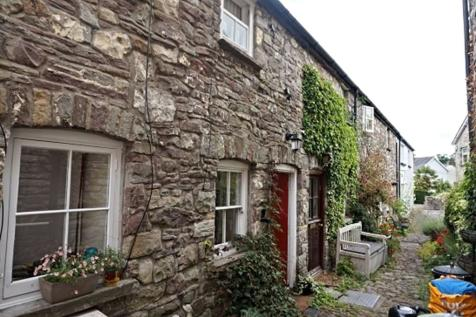 Llangattock, Crickhowell, NP8, Mid Wales - Terraced / 1 bedroom terraced house for sale / £140,000