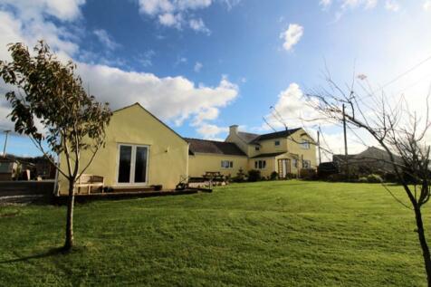 Capel Coch, Llangefni, LL77. 6 bedroom detached house