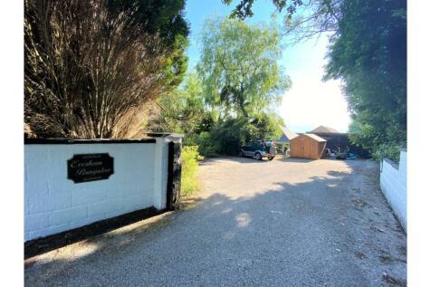 Old Llantrisant Road, Porth, CF39. 4 bedroom detached bungalow for sale