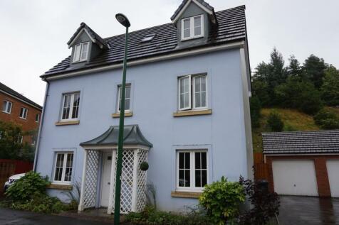 Heol Cae Ffwrnais, Ebbw Vale, NP23. 4 bedroom detached house