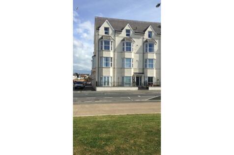 46-47 West Parade, Rhyl, LL18. 2 bedroom apartment