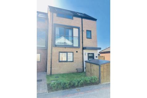 Paddock View, Doncaster, DN1. 2 bedroom end of terrace house