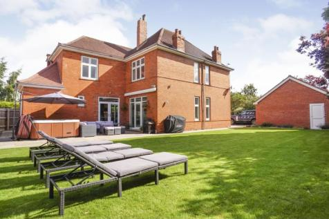 Riseholme Road, Lincoln, LN1. 4 bedroom detached house for sale