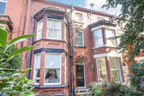Westfield Grove, Wakefield, WF1. 6 bedroom terraced house for sale