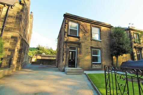 Kings Mill Lane, Huddersfield, HD1 3AW. 3 bedroom detached house for sale