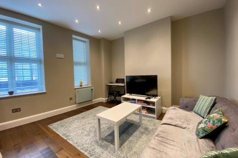 William Hunters Way, Brentwood. 1 bedroom apartment for sale
