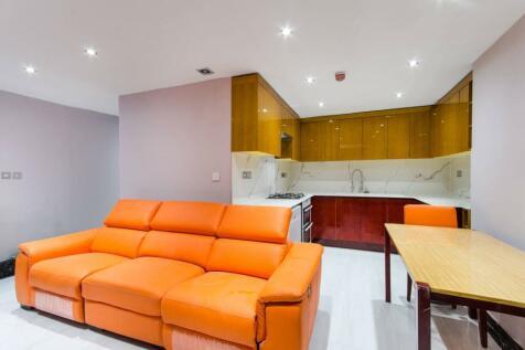 Sutherland Avenue, Maida Vale, London, W9. 3 bedroom flat