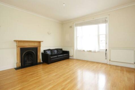 Randolph Gardens, Maida Vale, London, NW6. 2 bedroom flat
