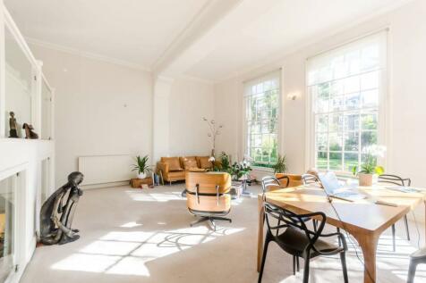 Warrington Crescent, Little Venice, London, W9. 3 bedroom flat