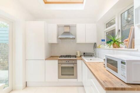 Shirland Road, Maida Vale, London, W9. 2 bedroom flat