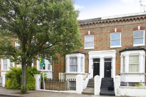 Saltram Crescent, Maida Hill, London, W9. 2 bedroom flat