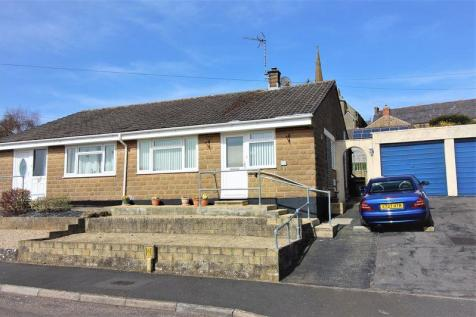 Summerlands Park Avenue, Ilminster. 2 bedroom semi-detached bungalow