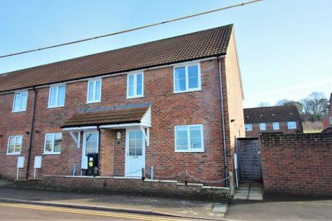 Winterhay Lane, Ilminster. 3 bedroom end of terrace house