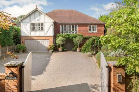 Knipp Hill, Cobham, KT11. 5 bedroom detached house