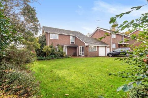 Maplehurst Road, Chichester, PO19. 4 bedroom detached house for sale