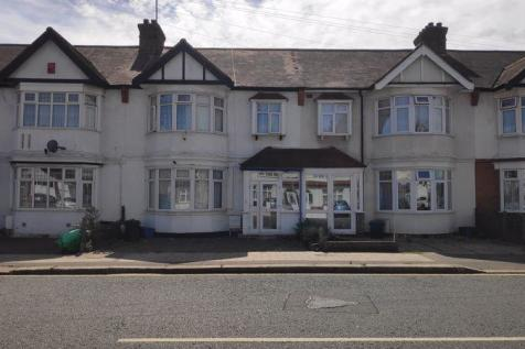 Beehive Lane, Ilford. 3 bedroom terraced house