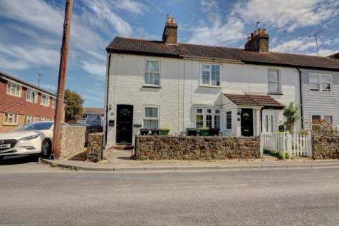 St. Johns Road, Great Wakering. 2 bedroom end of terrace house