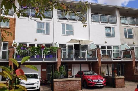 Chandlery Way, Cardiff. 3 bedroom town house