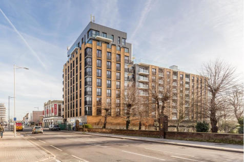 Charter House, 450 High Road, Ilford, Essex, IG1. 1 bedroom apartment