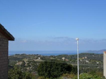 Tresnuraghes, Oristano, Sardinia. 2 bedroom town house for sale