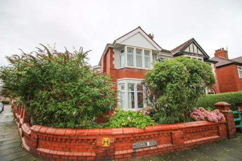 Hodgson Road, Blackpool, FY1. 4 bedroom semi-detached house for sale