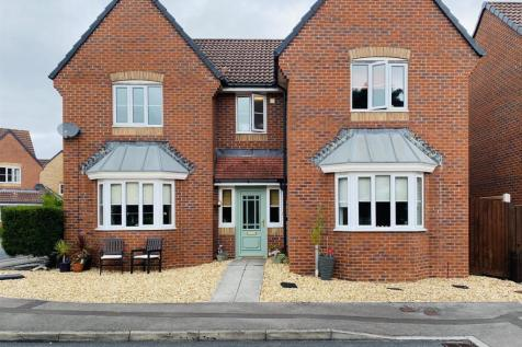 Narcissus Grove, Rogerstone, Newport. 4 bedroom detached house for sale