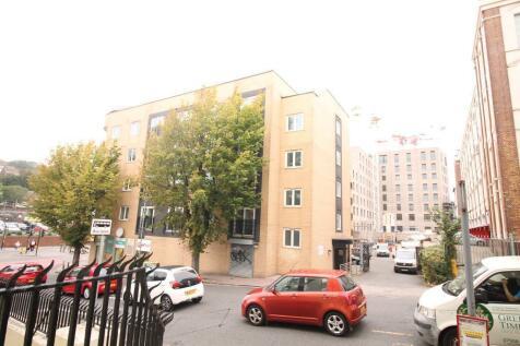 Coombe Road, Brighton, East Sussex, BN2 4FL. 1 bedroom apartment