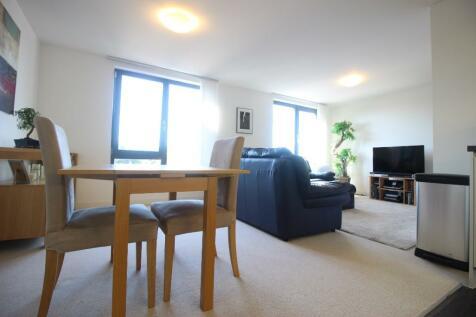 Queensway. 2 bedroom penthouse