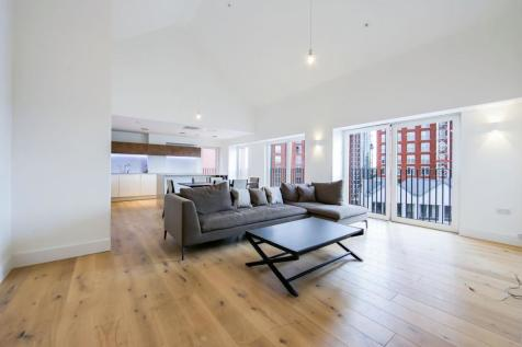 Exchange Gardens, SW8. 3 bedroom flat