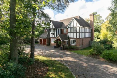 Pyrford, Surrey, GU22. 5 bedroom detached house for sale