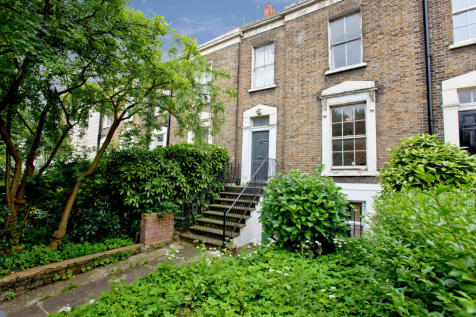 Holloway Road, London, N19. 4 bedroom terraced house