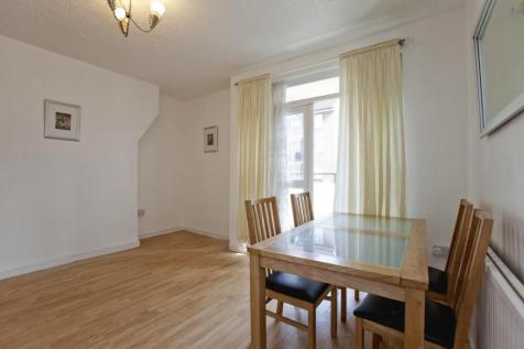 Delamere House, Woodberry Down Estate, London, N4. 2 bedroom flat