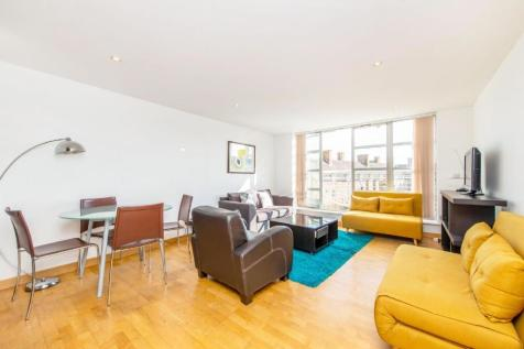 Leyden Street, Spitafields. 2 bedroom flat for sale