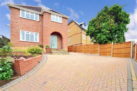 Kingston Road, Leatherhead. 4 bedroom detached house for sale
