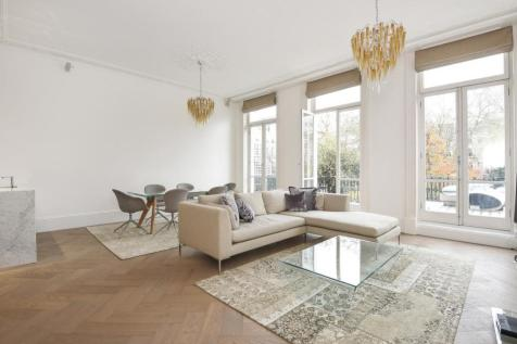 Redcliffe Square, London. 2 bedroom flat for sale