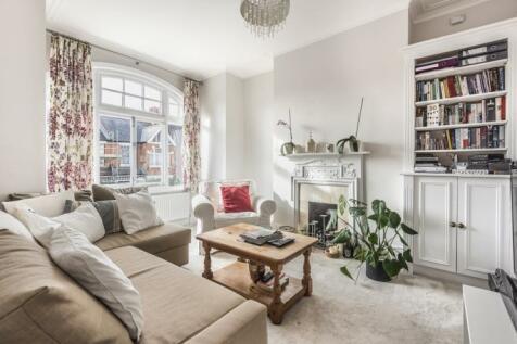 Replingham Road Southfields SW18. 2 bedroom flat